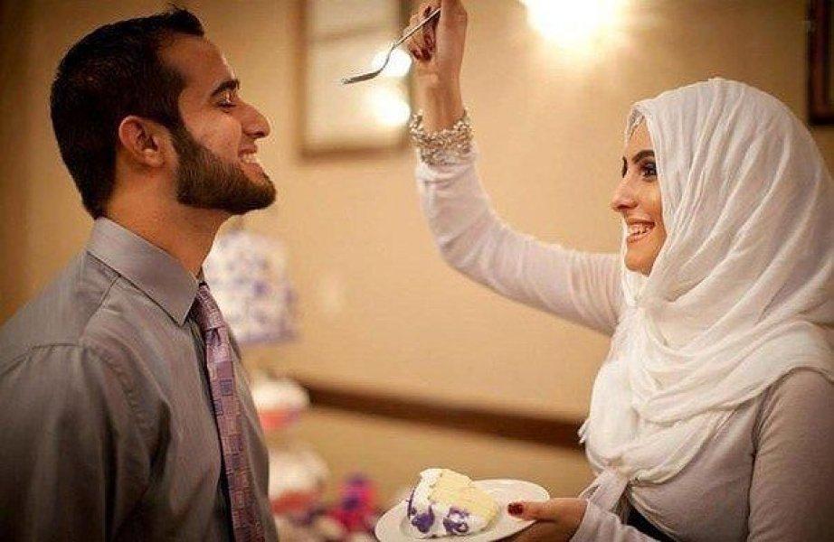 мужчину для жены привел муж